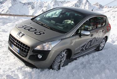 Peugeot%203008%20neve_R375.jpg