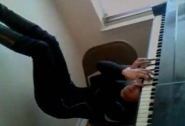Pianista_Testa_in_giuR375.jpg