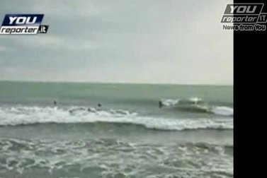 SurfNettunoRoma_R375.JPG