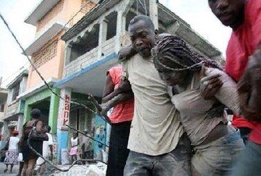 TerremotoHaitiPersone_R375.jpg