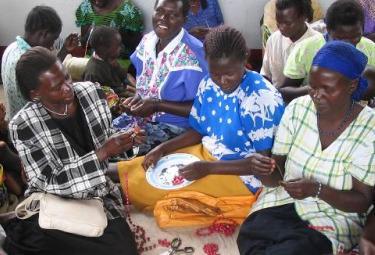 Uganda_Collane_MPIR375.jpg