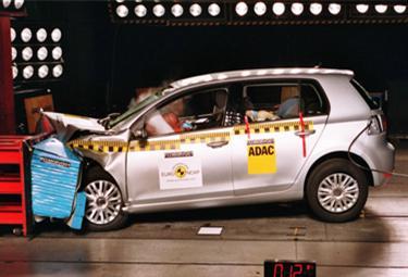 VW%20Golf%20EuroNCAP_R375.jpg