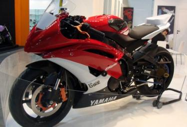 Yamaha_YZF-R6_AssobikeR375.jpg