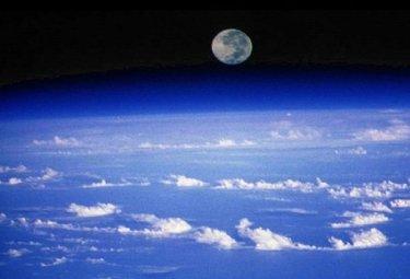atmosphereR375_20apr09.jpg