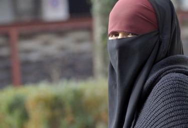 burqa_donnaR375.jpg