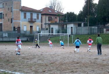 calcio_partitabambini_R375x255.jpg