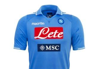 La nuova maglia del Napoli (Foto Macron)