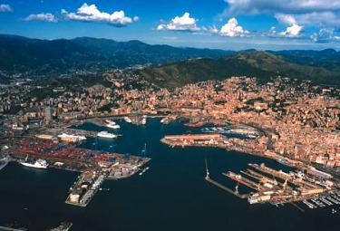 porto_di_genovaR37513ago2009.jpg