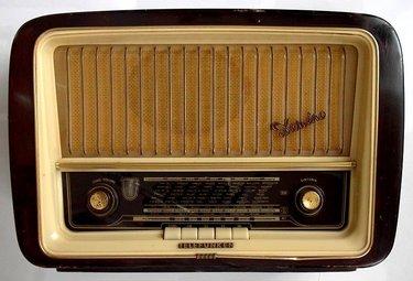 radio50R375_27ott09.jpg