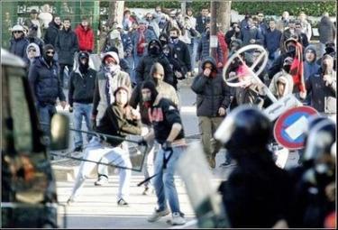 ultras-violenti-r375.jpg