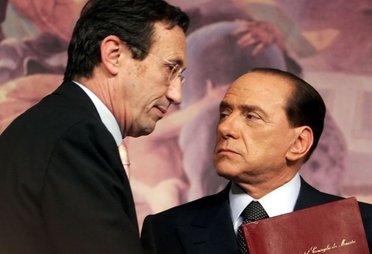 BerlusconiFiniConferenzaStampa_R375.jpg