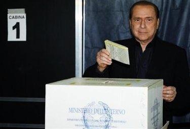BerlusconiVoto_R375.jpg