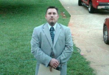 Nella foto, l'uomo arrestato per aver preparato un attentato contro una clinica abortista