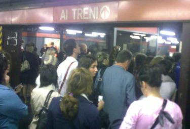 Metropolitana_Sesto_bloccataR375.jpg