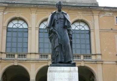 Il monumento ad Antonio Rosmini a Milano