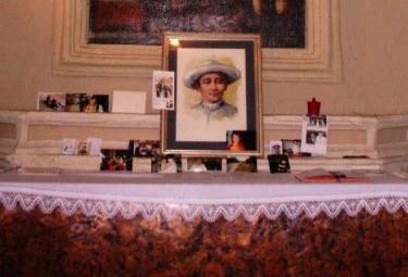 Un altare dedicato a Rolando Rivi
