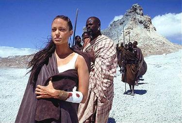 """Angelina Jolie nei panni di Lara Croft in """"Tomb Raider - La culla della vita"""""""