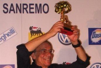 SANREMO 2011/ Il Festival col pilota automatico salvato dalla sinistra di Benigni e Vecchioni