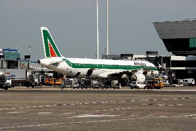 Un jet in attesa di decollo