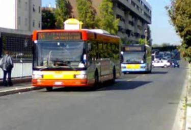 autobus-romaR375.jpg