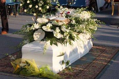 La bara di Sarah ai funerali di ieri, foto Ansa