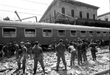 La stazione di Bologna il 2 agosto 1980