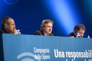 Il desiderio e le opere: Carrón all'Assemblea Cdo 2010