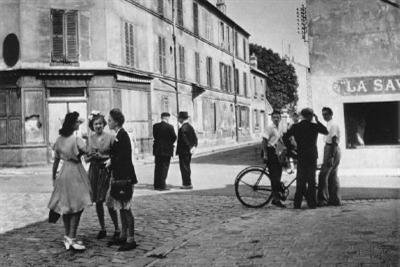doisneau_sunday_morningR400.jpg
