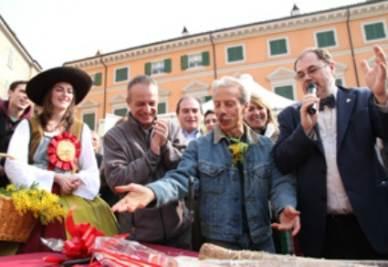 Giovanni Storti scherza con Paolo Massobrio