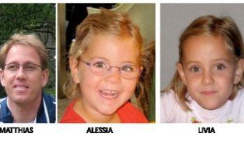 Il padre con le due gemelline scomparse