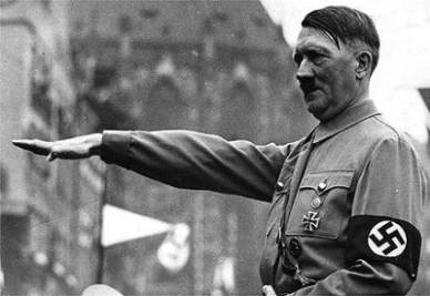 Adolf Hitler (1889-1945; immagine d'archivio)
