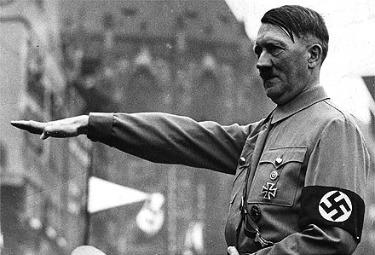 Col successo di Mein Kampf, Adolf Hitler divenne ricchissimo