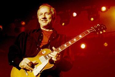 MILANO JAZZIN' FESTIVAL/ Mark Knopfler, dai Dire Straits al folk scozzese. Un vero artista senza sindrome da Peter Pan