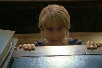 Luciana Littizzetto in una scena di Fuoriclasse, su Raiuno