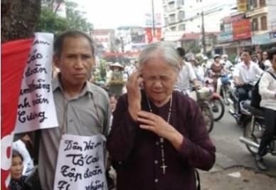 Manifestanti in Vietnam