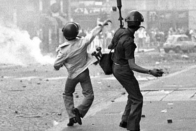 manifestazione_1968_scontriR400.jpg