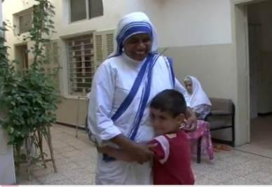 Una delle missionarie della carità a Gaza