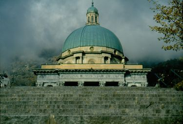 Scorcio del santuario di Oropa, ove è venerata una Madonna nera
