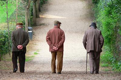 Un gruppo di pensionati