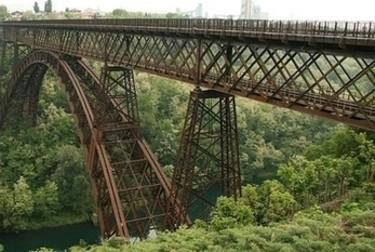 ponte-di-ferroR375.jpg