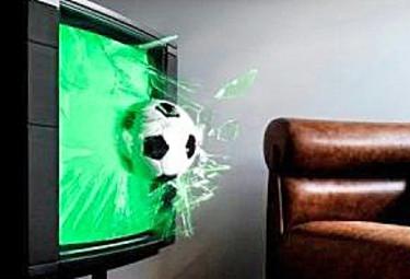 Il calcio in diretta tv di oggi: Milan-Inter da non perdere