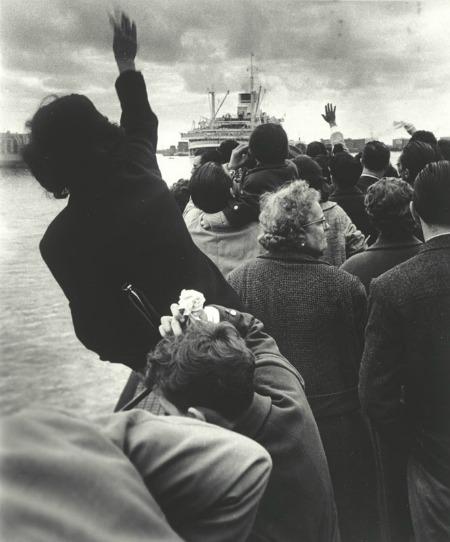 Alla partenza della Cristoforo Colombo, Genova Courtesy: © Stefano Robino courtesy Admira, Milano
