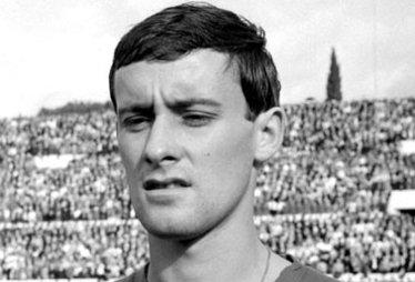 Nella foto, un giovane Roberto Rosato con la maglia della nazionale