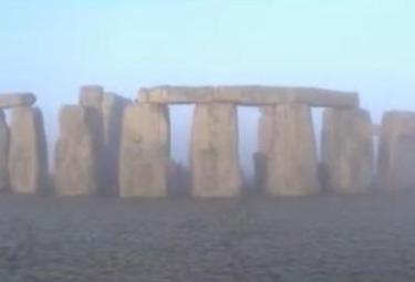 stonehengeR375.jpg