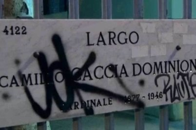 L'insegna derlla via dove è avvenuto il pestaggio al tassista milanese