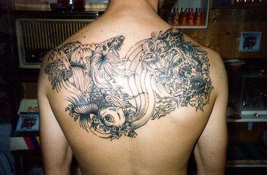 tatuaggio_R375.jpg