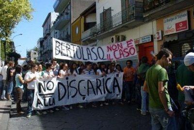 Una manifestazione anti discarica a Terzigno