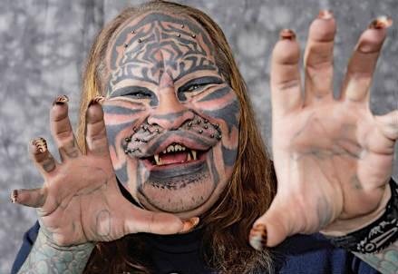 Uomo Gatto (Foto da Internet)