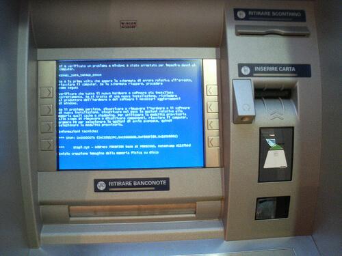 Blue Screen Of Death su un Bancomat italiano...