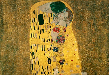 Gustav Klimt, Il bacio (1907-08) (Immagine dal web)
